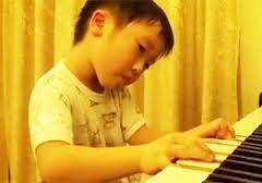 息子のピアノ